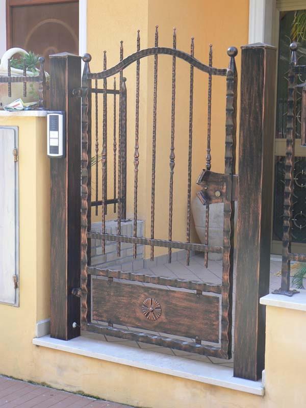 Ca m m officina meccanica lucca fabbro carpenteria - Cancelletto in ferro battuto ...